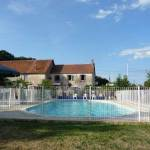 Eguzon-la-Garenne-zwembad-omheind